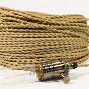gedraaid strijkijzersnoer met lamp
